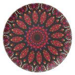 Modelo rojo del caleidoscopio de la flor plato de cena