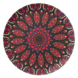 Modelo rojo del caleidoscopio de la flor platos