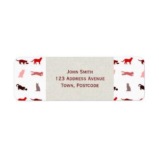 Modelo rojo del gato etiqueta de remite