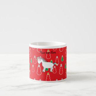 Modelo rojo del muñeco de nieve del unicornio del  taza espresso