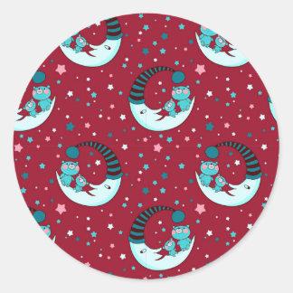Modelo rojo del navidad con la luna y los osos pegatina redonda