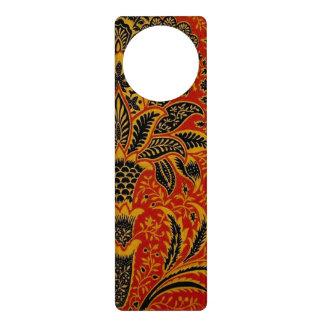 Modelo rojo del papel pintado de la alfombra colgadores para puertas