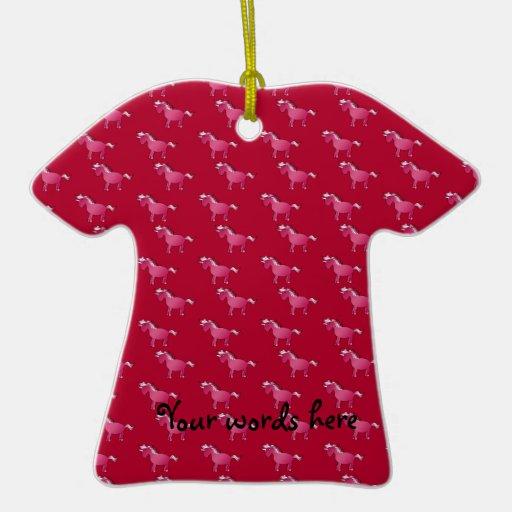 Modelo rojo del unicornio adorno navideño de cerámica en forma de playera