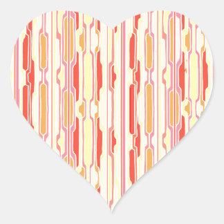 Modelo rojo enrrollado de las rayas pegatina en forma de corazón