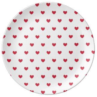 Modelo rojo lindo de los corazones plato de cerámica