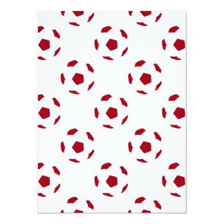 Modelo rojo oscuro del balón de fútbol invitación 13,9 x 19,0 cm