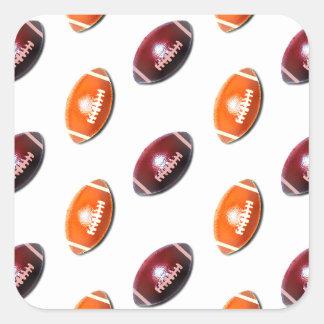 Modelo rojo oscuro y anaranjado del fútbol pegatina cuadrada
