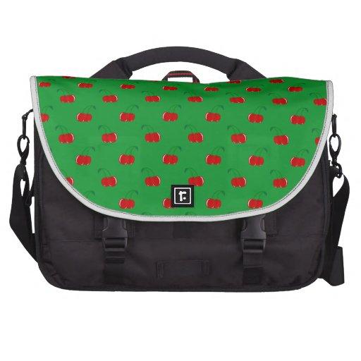 Modelo rojo verde de la cereza bolsas de ordenador
