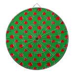Modelo rojo verde de la manzana tablero dardos