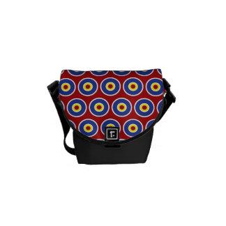 Modelo rojo y azul de la diana de los círculos con bolsa de mensajeria