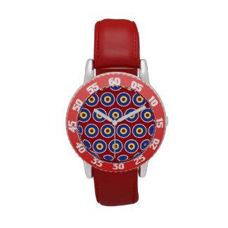 Modelo rojo y azul de la diana de los círculos con reloj de mano