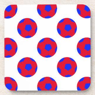 Modelo rojo y azul del balón de fútbol posavaso