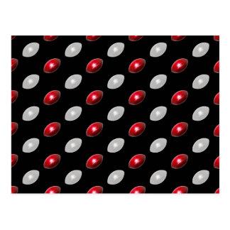 Modelo rojo y blanco de los fútboles tarjeta postal