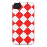 Modelo rojo y blanco de moda del tablero de damas iPhone 4 Case-Mate coberturas