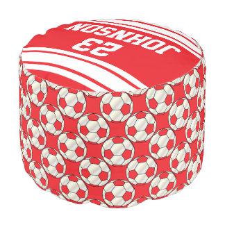 Modelo rojo y blanco del fútbol del deporte puf redondo