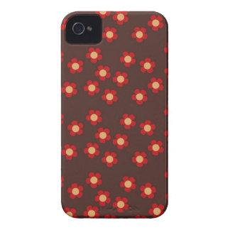 Modelo rojo y marrón de mini Sakura de las flores Case-Mate iPhone 4 Protectores