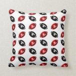 Modelo rojo y negro brillante del fútbol almohadas