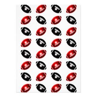 Modelo rojo y negro brillante del fútbol invitación personalizada