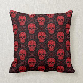 Modelo rojo y negro del cráneo del azúcar cojín decorativo
