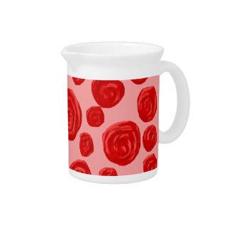 Modelo romántico del rosa rojo. En rosa Jarras Para Bebida
