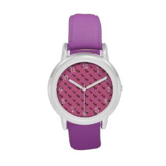 Modelo rosa claro lindo del reno reloj de mano