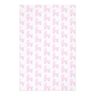 Modelo rosa claro y blanco del cochecito de bebé tarjeta publicitaria