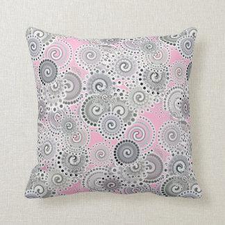 Modelo, rosa y gris del remolino del fractal cojín