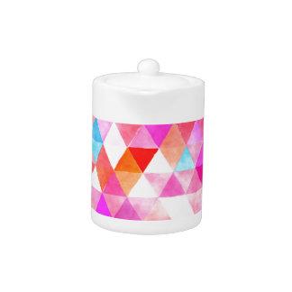Modelo rosado colorido del triángulo de la