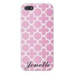 Modelo rosado conocido personalizado de Quatrefoil iPhone 5 Protectores