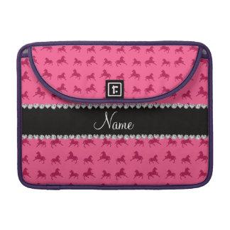 Modelo rosado conocido personalizado del caballo funda para macbooks