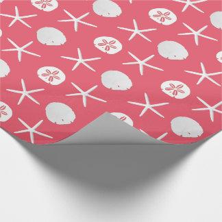 Modelo rosado coralino de los dólares de arena de papel de regalo