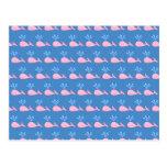 Modelo rosado de la ballena en azul postal
