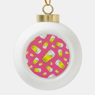 Modelo rosado de la cerveza adorno de cerámica en forma de bola
