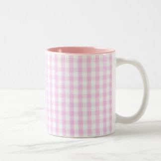 Modelo rosado de la guinga taza