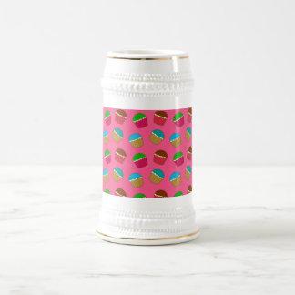 Modelo rosado de la magdalena taza