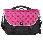 Modelo rosado de la manzana bolsas de portátil