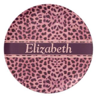 Modelo rosado de la piel del leopardo platos de comidas