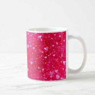 Modelo rosado de los corazones del brillo taza de café