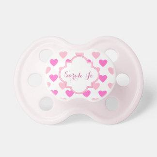 Modelo rosado de los corazones personalizado chupetes para bebes