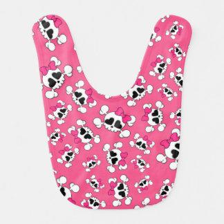 Modelo rosado de los cráneos y de los arcos de la  babero de bebé