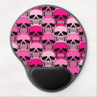 Modelo rosado del cráneo que entrelaza alfombrillas de ratón con gel