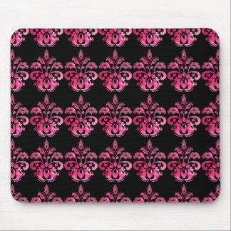 Modelo rosado del damasco de la nebulosa en negro tapete de ratones