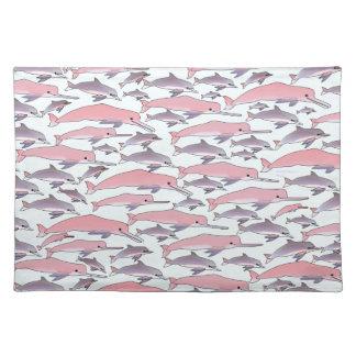 Modelo rosado del delfín en azul manteles individuales