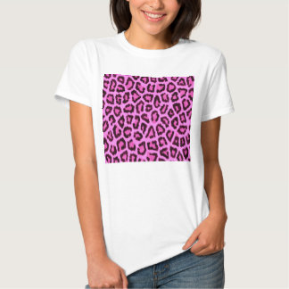 Modelo rosado del estampado leopardo playeras