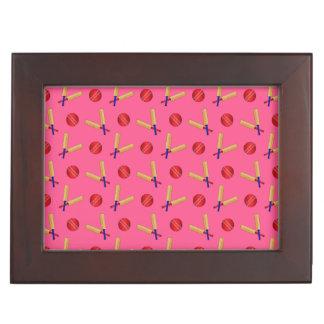 Modelo rosado del grillo cajas de recuerdos