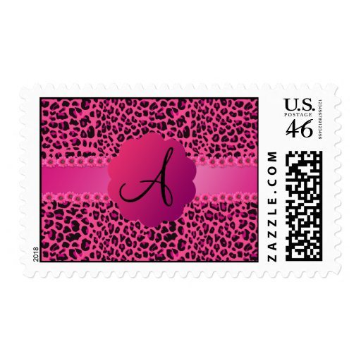 Modelo rosado del leopardo del monograma