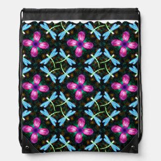 Modelo rosado del reflejo del negro de la flor de mochilas