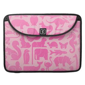 Modelo rosado del reino animal funda macbook pro