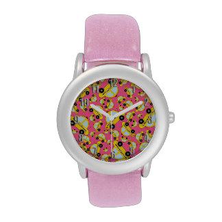 Modelo rosado del taxi relojes de pulsera