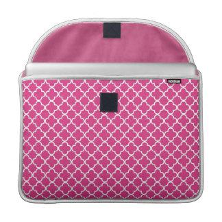 Modelo rosado del trébol de Quatrefoil Funda Macbook Pro
